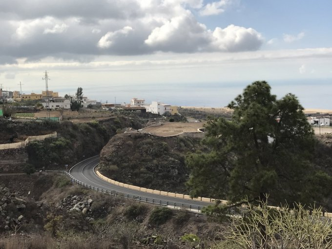 Rustic Land with 50m2 building to reform. , Tenerife