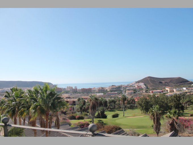 Penthouse Apartment in Oasis Golf Resort, Tenerife
