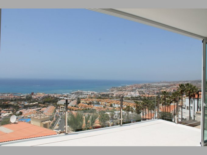 Villa in Residencial La Tagora, Tenerife