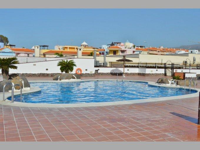 El Mirador large pool